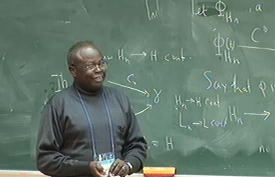 Professeur Augustin Banyaga yahawe igihembo Augustin-Banyaga1
